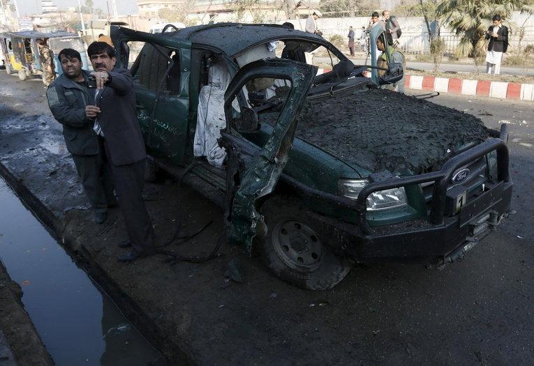 После взрыва возле пакистанского консульства в Джелалабаде, Афганистан