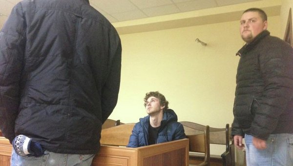 Станислав Толстошеев в зале суда