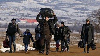 Мигранты в Сербии после пересечения границы из Македонии