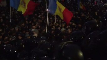 Протесты в Молдавии. Штурм парламента . Онлайн