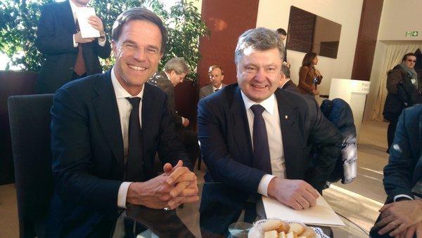 Премьер-министр Нидерландов Марк Рютте и президент Украины Петр Порошенко