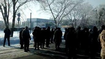 Под Полтавой участники АТО перекрыли трассу Киев-Харьков
