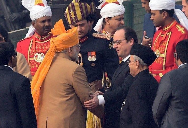 Премьер-министр Индии Нарендра Моди и президент Франции Франсуа Олланд во время празднований Дня республики