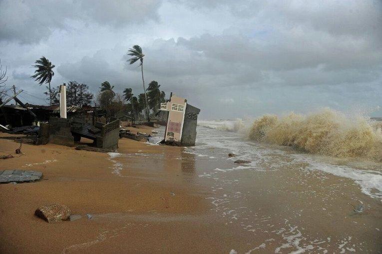 Наводнение в провинции Наратхиват в Таиланде