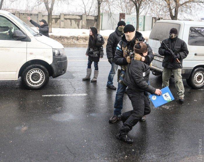 Столкновения бойцов СБУ с жителями вьетнамского квартала в Одессе