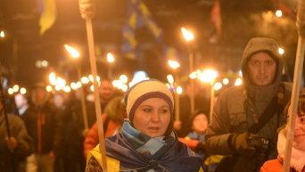 Факельный марш в честь боя под Крутами в Киеве