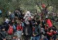 Мигранты в турецкой провинции Чанаккале на пути на греческий остров Лесбос