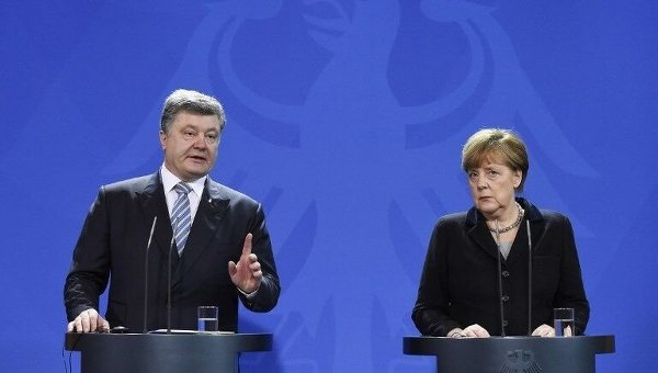 Порошенко готов искать новые пути урегулирования конфликта на Донбассе