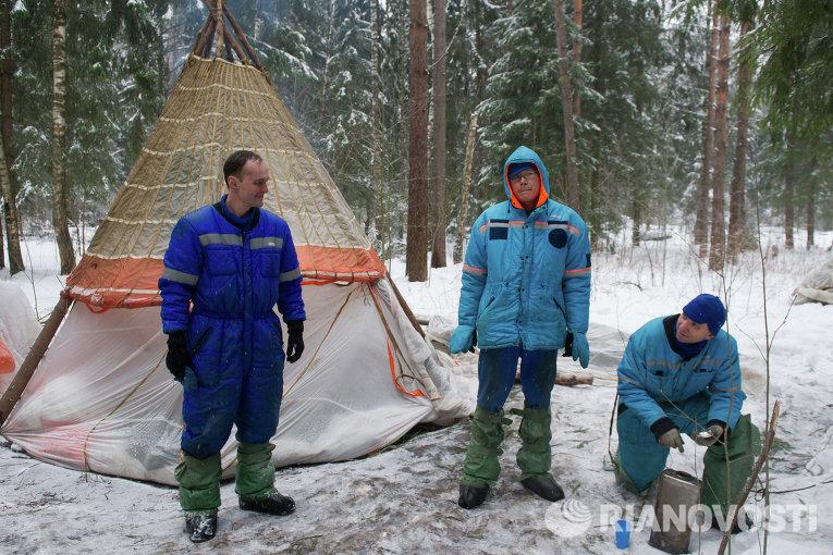 Экипаж МКС 54/55 провел тренировку по выживанию в зимнем лесу