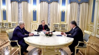 Порошенко принял доклад председателя СБУ и Генпрокурора по расследованию стрельбы на Майдане