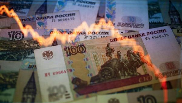 Курс доллара продолжил рост наоткрытии торгов Мосбиржи
