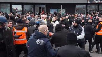 Столкновения активистов Pegida с полицией в Кале во Франции