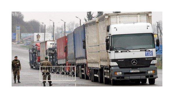 РФ остановила движение украинских грузовиков по своей территории