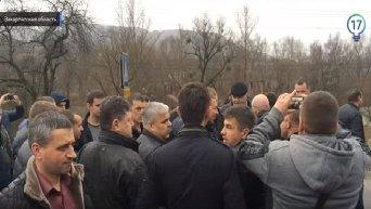 Перевозчики заблокировали трассу Киев - Чоп