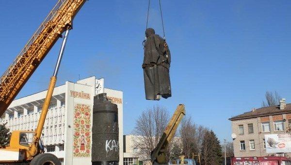 В Днепропетровской области демонтирован памятник Дзержинскому