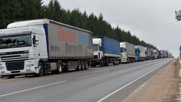 Фуры с российскими номерами скопились на белорусско-литовской границе