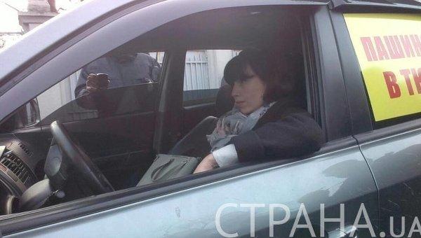 Нардеп Татьяна Черновол пытается угнать машину под Радой