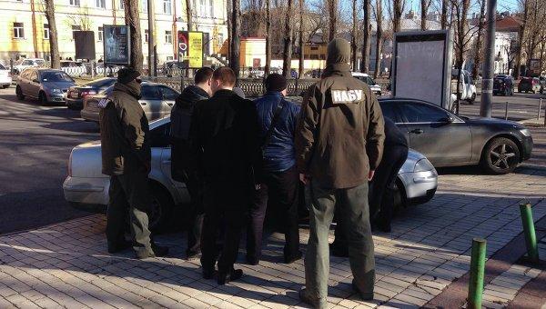 Прокурор ГПУ задержан за взятку при попытке устроиться в НАБУ
