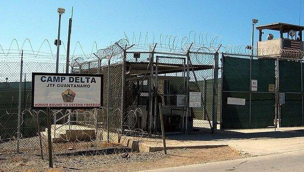 США объявили окрупнейшей передаче заключенных Гуантанамо другой стране