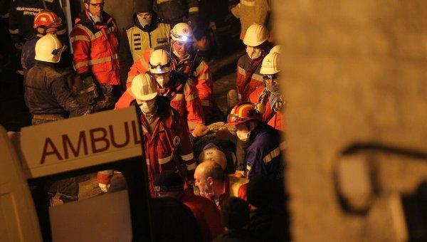Спасательные работы на месте рухнувшего дома по ул. Хмельницкого
