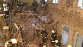 Спасательно-поисковые работы на месте обрушения дома в Киеве