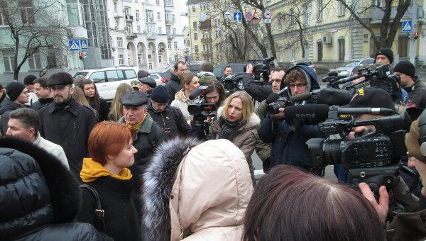 Митинг в Киеве под АП против закона об электронных декларациях
