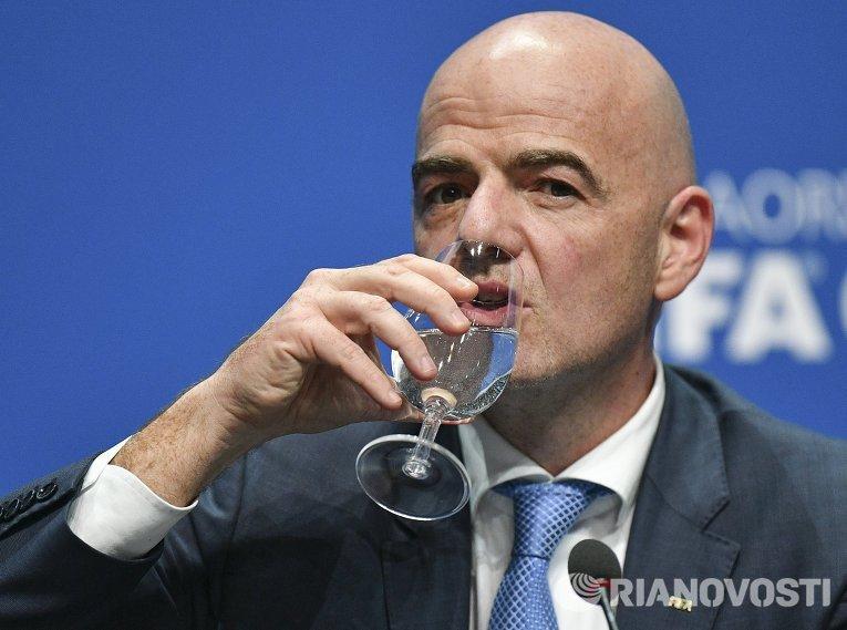 Пресс-конференция нового президента ФИФА Джанни Инфантино
