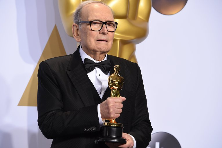 Итальянский композитор Эннио Морриконе во время 88-й церемонии вручения премии Оскар в Голливуде