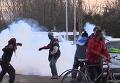 Снос стихийного лагеря мигрантов в Кале и каменная атака беженцев. Видео