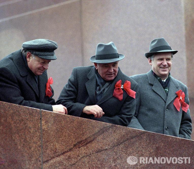 Горбачев призвал Путина и Трампа инициировать запрет ядерной войны - Цензор.НЕТ 4673