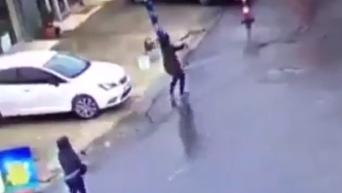 Момент нападения на полицейский участок в Стамбуле