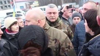 В Тернополе с похорон бойца АТО прогнали губренатора