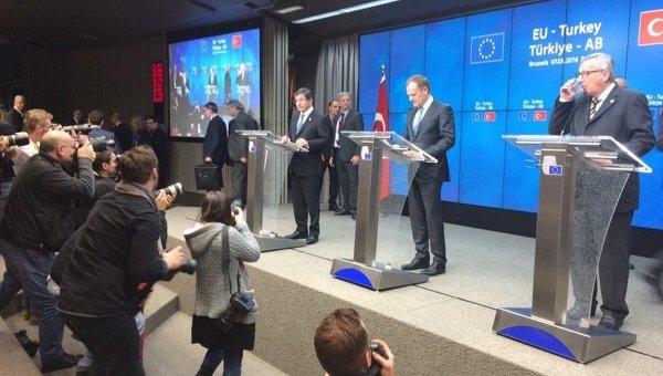 Давутоглу заявил, что вернется в Брюссель на саммит ЕС 18 марта