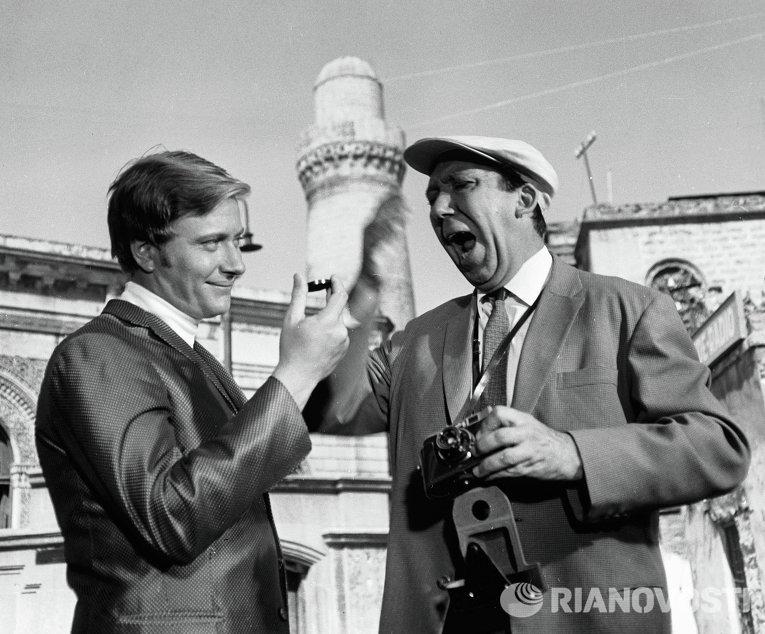 А. Миронов и Ю. Никулин на съемках фильма Бриллиантовая рука