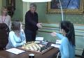 Первый шаг в партии ЧМ по шахматам в исполнении Луческу. Видео