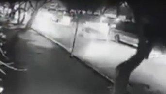 Момент взрыва автомобиля в Анкаре. Кадры камеры внешнего наблюдения. Видео