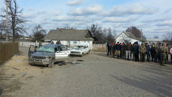 В Ровенской области в результате разборок со стрельбой между жителями двух сел три человека ранены, более 10 пострадали, сообщили в Отделе коммуникации ГУНП в Ровенской области.