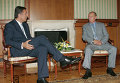 Мило Джуканович и Владимир Путин. Архивное фото