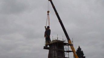 Снос памятника Владимиру Ленину в Запорожье