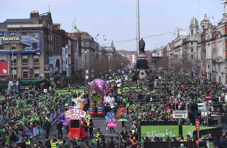 Парад в день Святого Патрика в Дублине, Ирландия