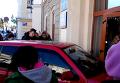 Авто протаранило здание горсовета в Коломые. Видео