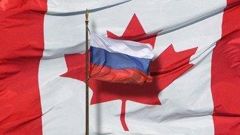 Флаги Канады и России