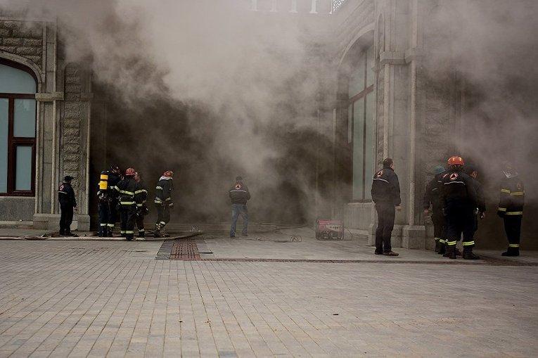 Пожар в соборе Святой Троицы в Тбилиси