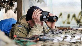 Украинские военные на позициях вблизи села Трехизбенка в Луганской области