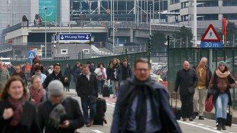 Евакуация из брюссельского аэропорта после взрывов