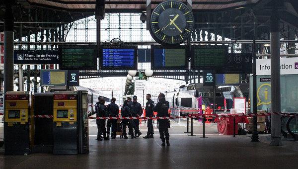 Навокзале Парижа задержали вооруженного ножом мужчину