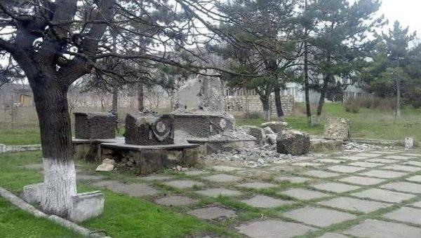Памятник героям Великой Отечественной войны демонтируют в селе Пересечина