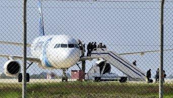 Самолет А-320 компании Egyptair. Архивное фото