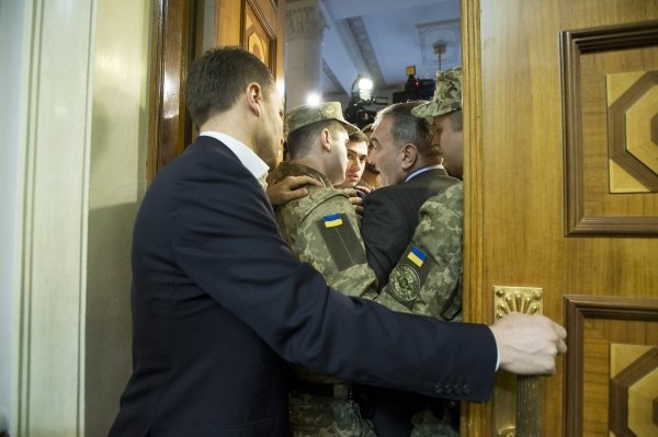 Экс-депутат Фирсов устроил потасовку в Раде
