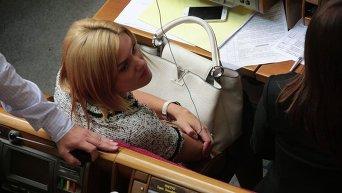 Татьяна Острикова (фракция Самопомич) с сумкой Louis Vuitton Сapucines стоимостью 4,8 тысячи долларов